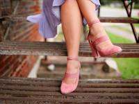 Kobiety w rajstopach – czyli kilka zasad, jak je nosić