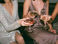 Sukienki wyjściowe – najmodniejsze modele, które warto posiadać w szafie