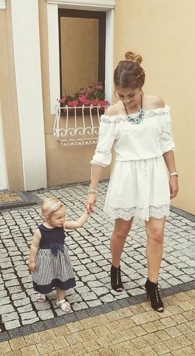 Pani Paulina z córeczką